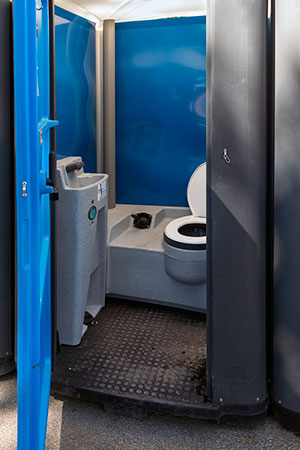 If Your Worksite Needs Portable Toilets, Come to Us